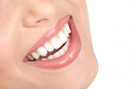 頭痛の原因に歯並びは関係する?