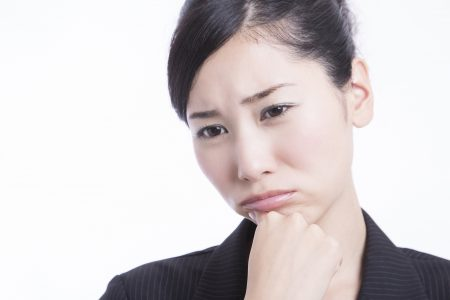 前歯の抜歯後に自然な口元に戻すにはどうすればいい?