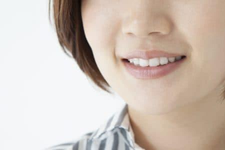 出っ歯とガミースマイルの治療法とは?