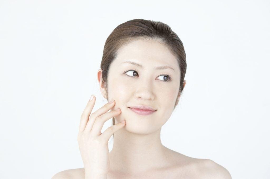 出っ歯の人はほうれい線ができやすい?