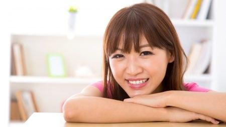 歯並びが左右の目の位置に影響するって本当?