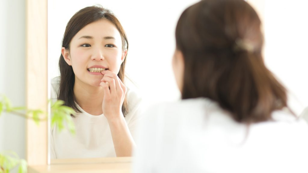セラミック矯正では必ず抜歯するの?