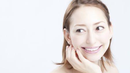 セラミック矯正で出っ歯は治る?