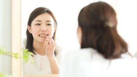 すきっ歯だと嫌な口臭の原因になる?