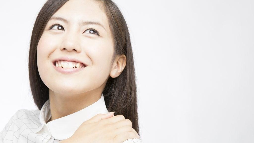 前歯のレジンに段差がある場合、なくすことは可能?
