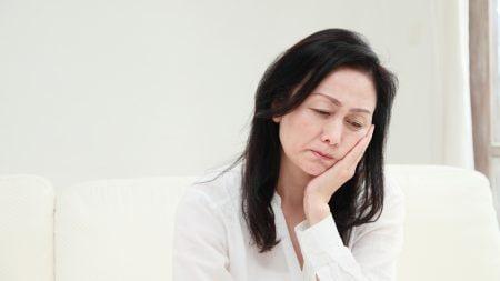 歯茎に見える白っぽい炎症は口内炎なの?