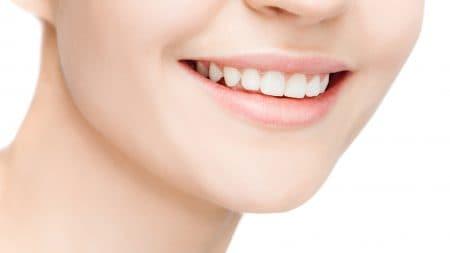 歯と歯の隙間が増えたのはなぜ?