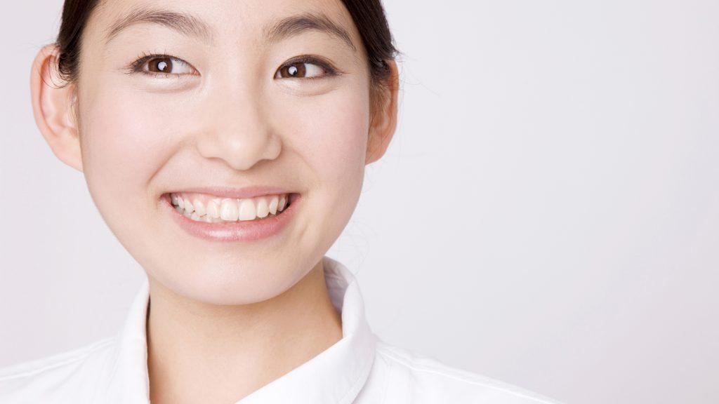 仮歯がきついと感じたらクリニックを受診するべき?