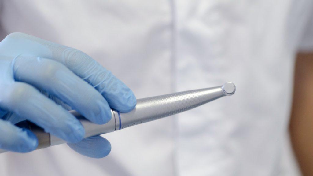 銀歯の詰め物の寿命は何年くらい?