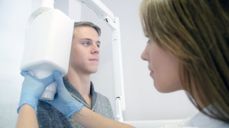 歯科矯正でゴムかけは必要なものなの?