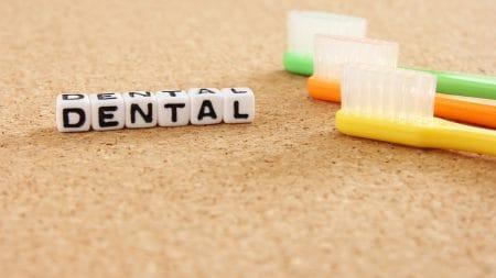 歯科矯正のワイヤーの材質はどんなものが選べるの?