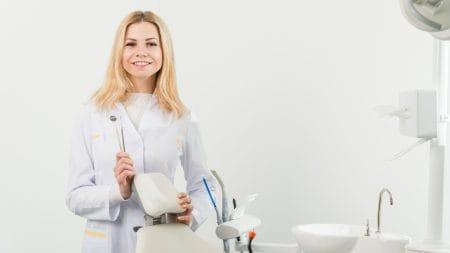 犬歯の欠損にはインプラントが向いている?
