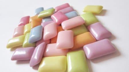 歯の黄ばみはスポンジで落とすことができますか?
