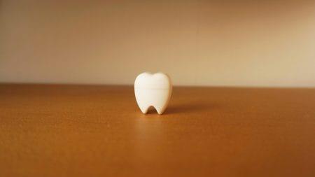 ホワイトニングは歯にダメージを与えますか?